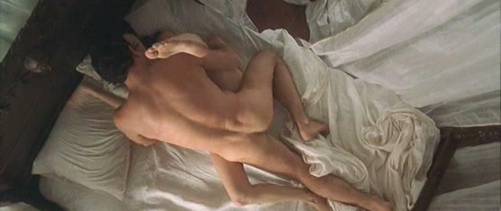 suprugi-snimayut-postelniy-seks-na-kameru