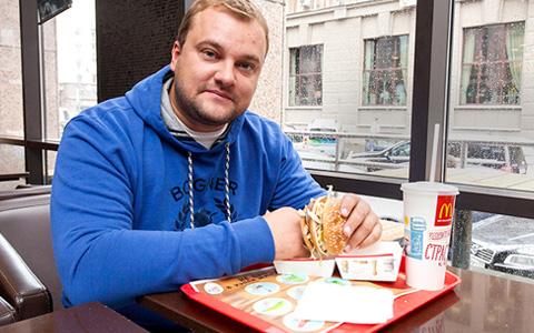Спустя 90 дней: рестораторы едят в знак протеста против гонений на «Макдоналдс»