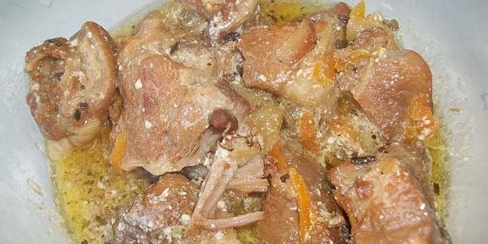 Тушеная свинина с подливкой рецепт с пошагово в