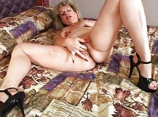 Teen pussy video solo