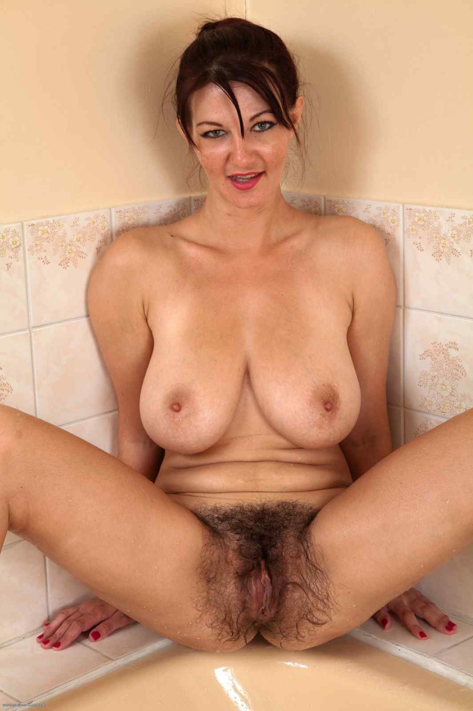 Hairy fat girl creampie slutload