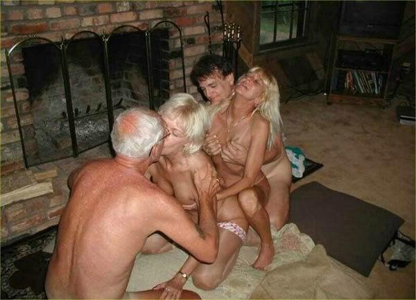 Bisexual nude guys free pics
