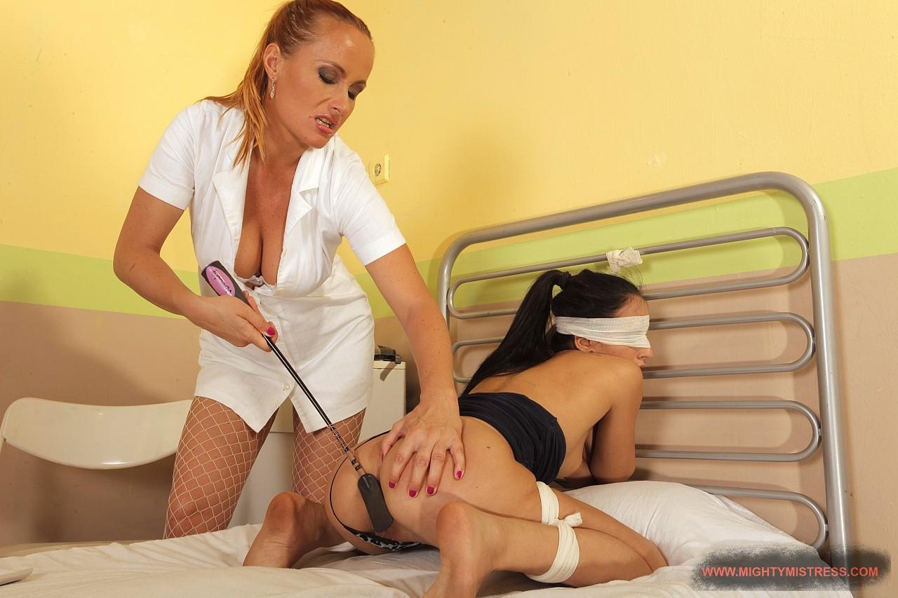 врачихи лезбиянки видео