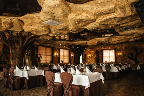 Ресторан в Камари недорого