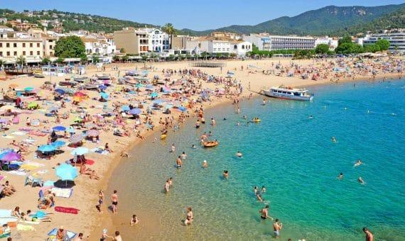 Жилье в испании летом