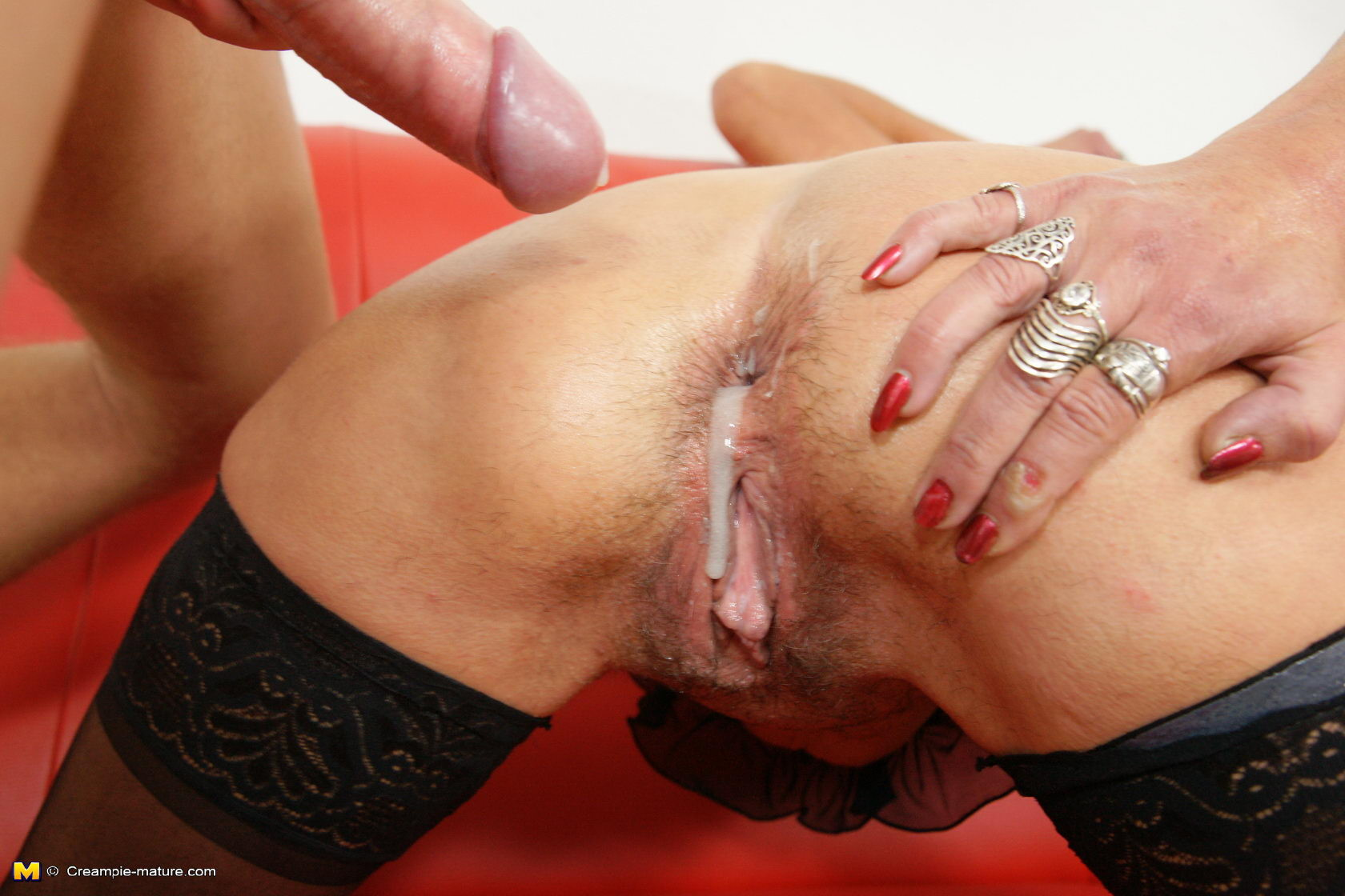 Free hairy mom creampies