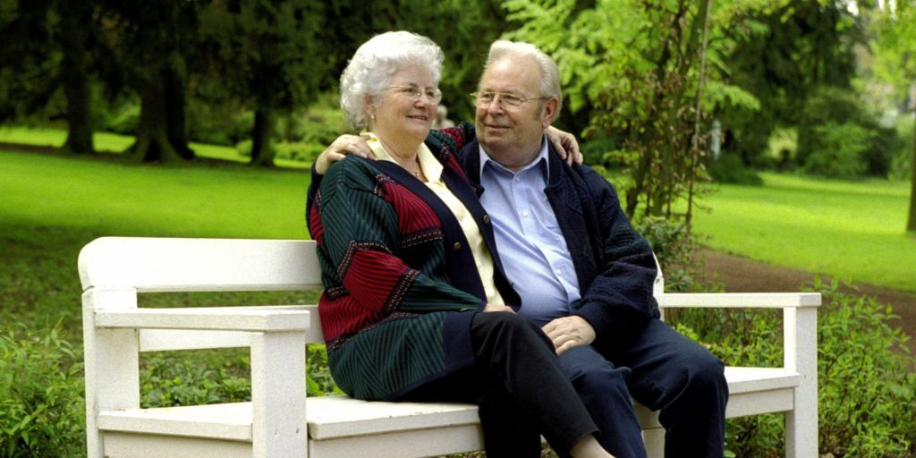 Online dating for older persons