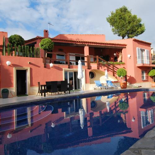 Недвижимость в болгарии или испании