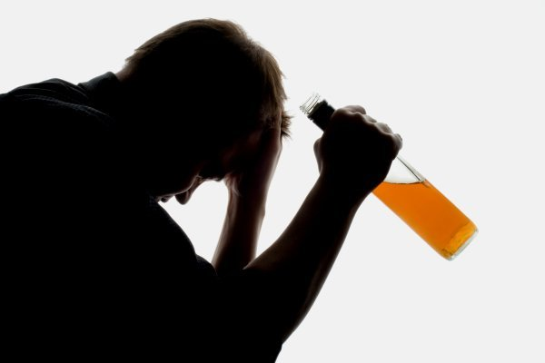 Как алкоголику выйти из запоя