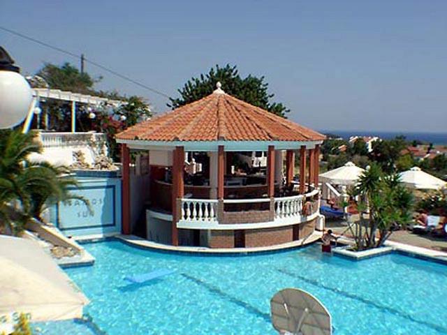 Недорого дом с бассейном в остров Самос