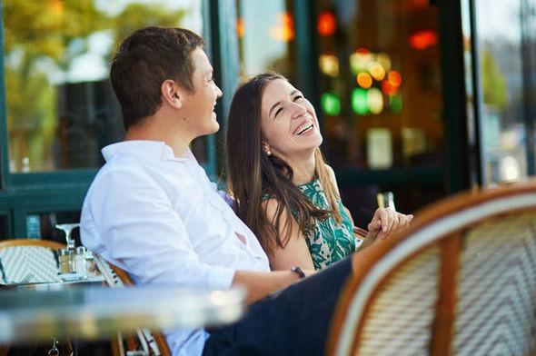 Online dating sites in paris