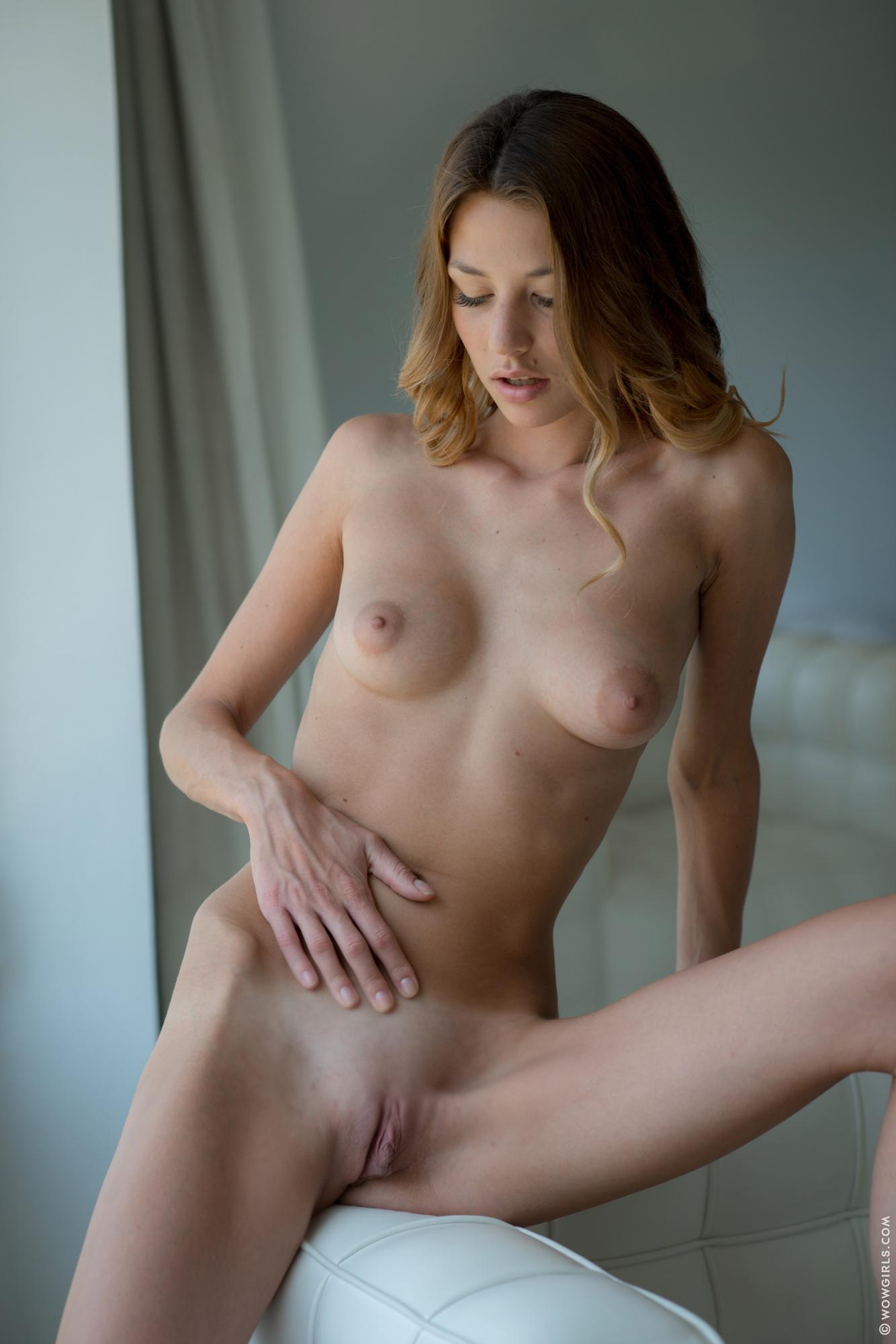 porno-kartinki-bez-trusikov-i-lifchikov-negrityanki-ogromnie-porno
