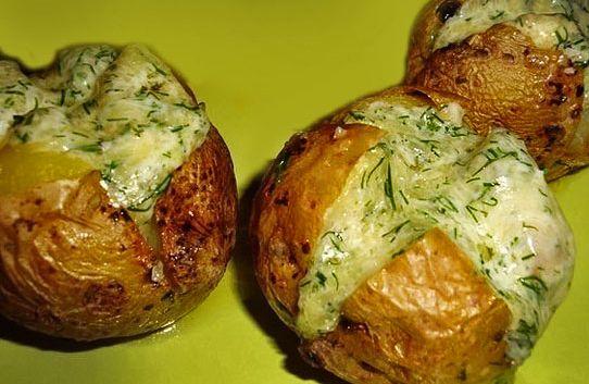 Вкусно и быстро картошка с курицей в духовке рецепт с фото
