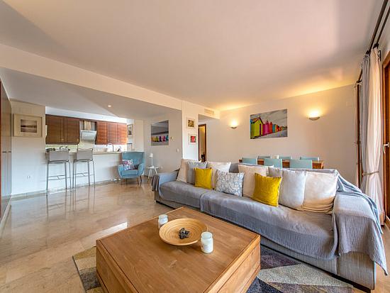 Продаем квартиры в испании