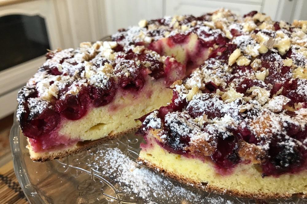 Быстрый пирог с вишней рецепт с фото на кефире