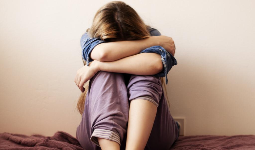 Депрессия подростка: как распознать и помочь преодолеть