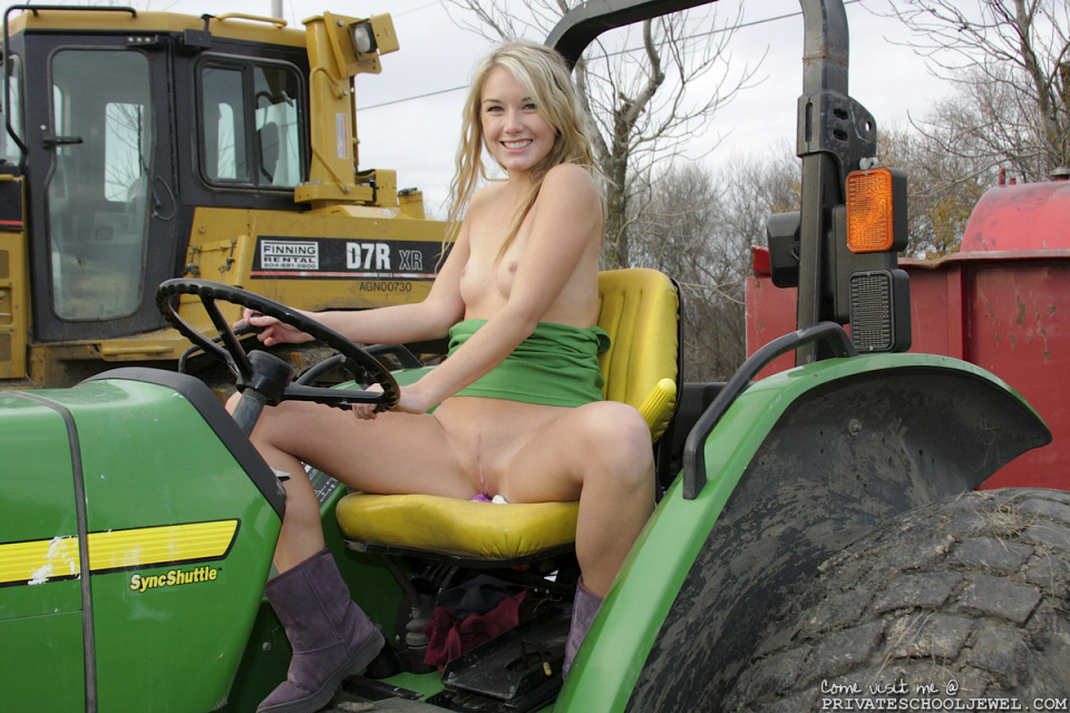 girls on tractors Nude