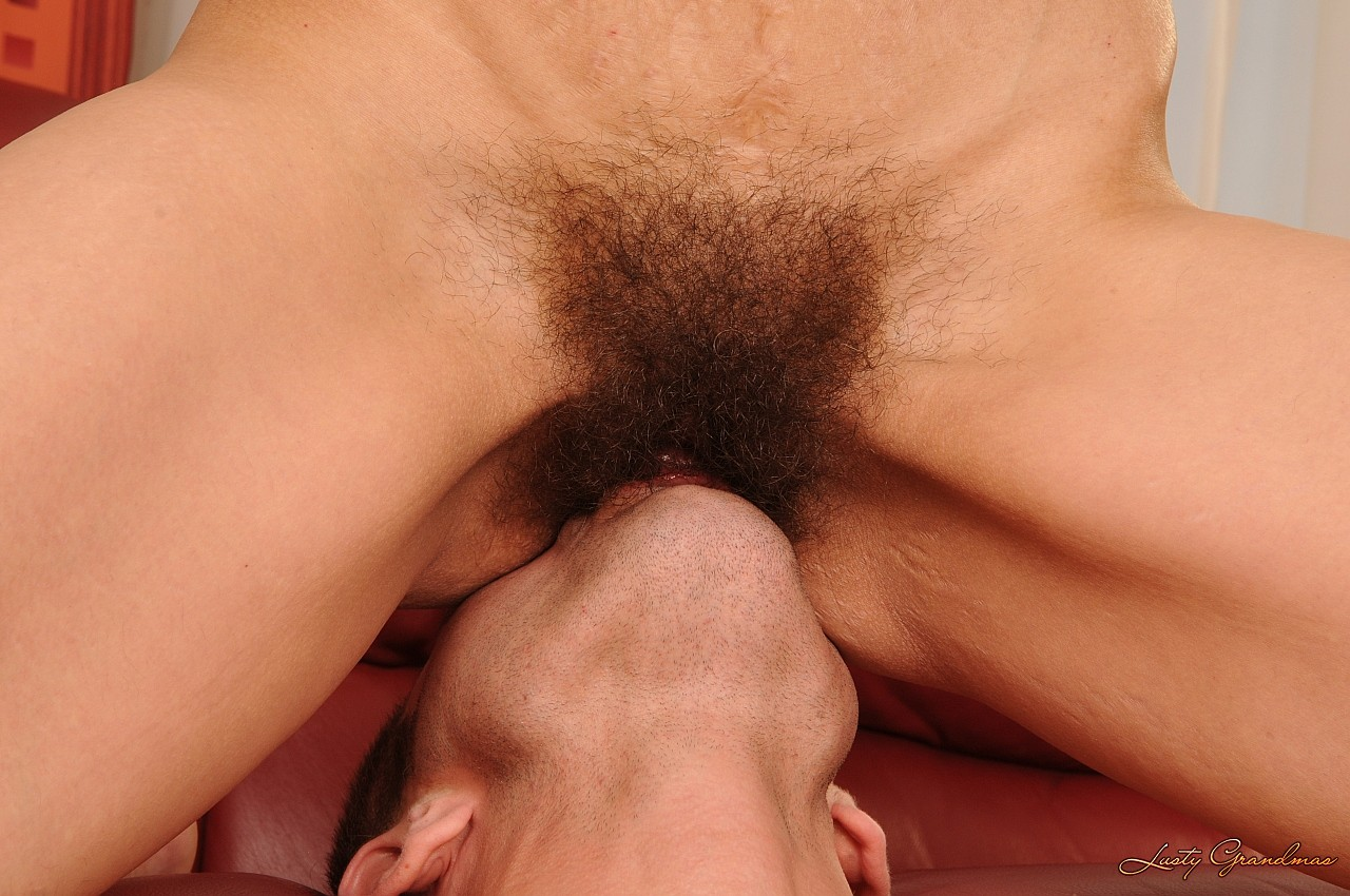 Кунилингус волосатой пизде