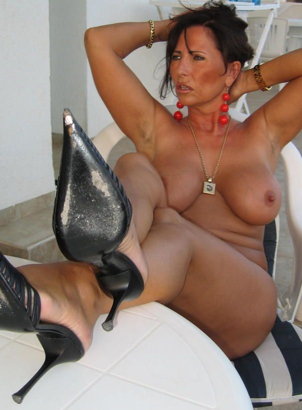 Nude mature lesbian hotties think, that