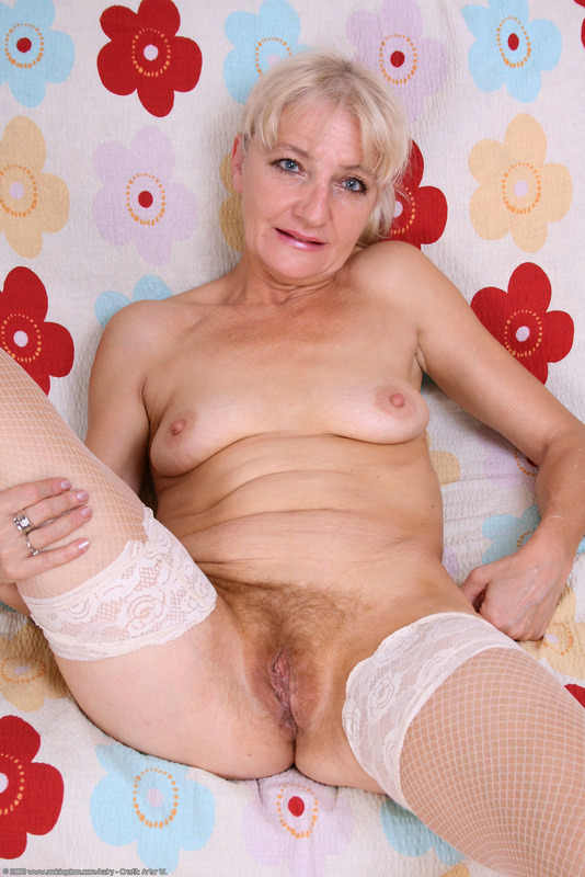Stretched pussy big cock video