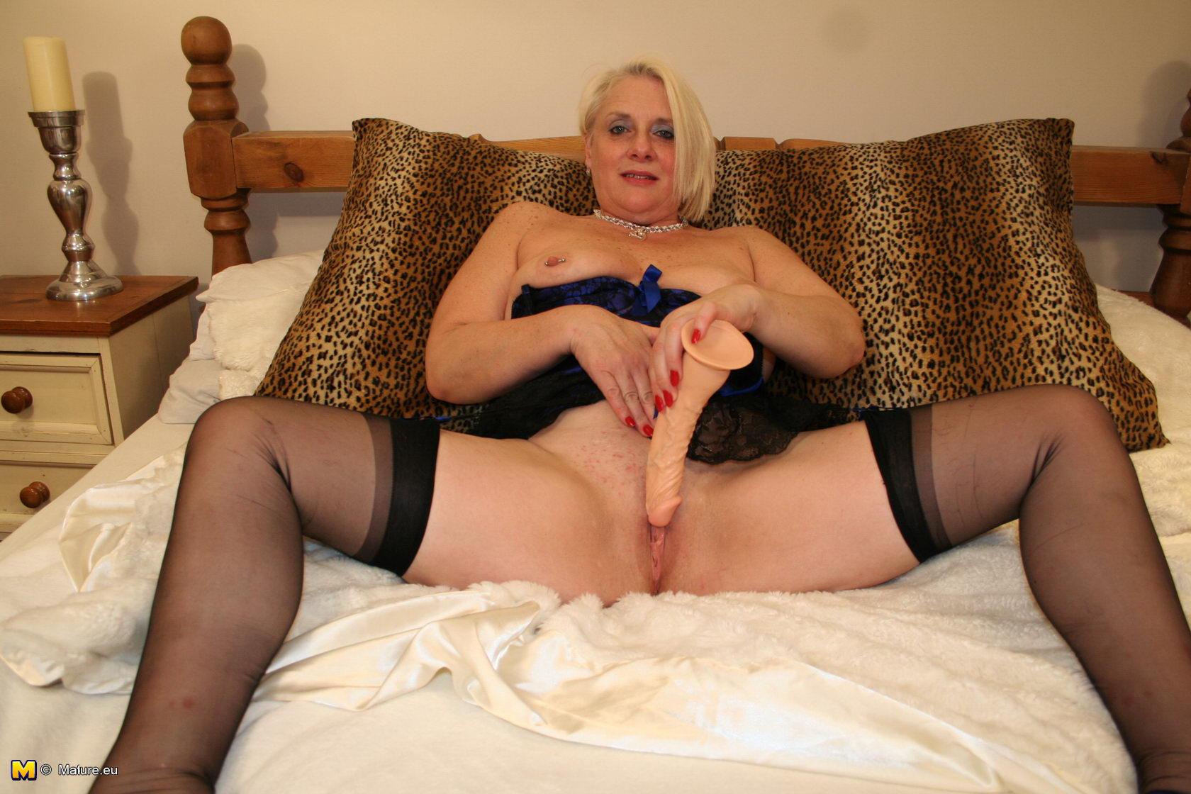 Dominion bondage lady laura