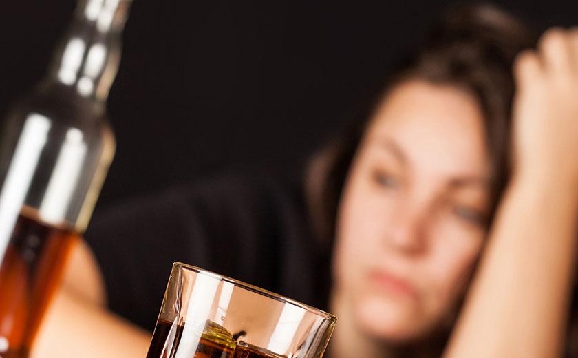 Как лечила джуна алкоголизм