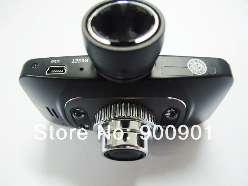 Автомобильный видеорегистратор с функцией записи видео в формате Full HD,