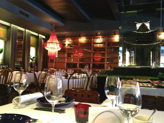 Ресторан Mr. Lee - фотография 1