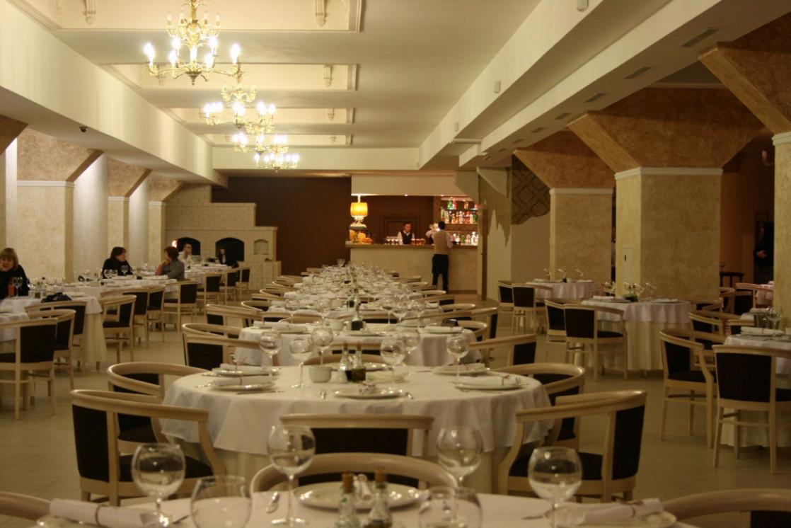 Ресторан Итальянский дворик. Большой - фотография 1