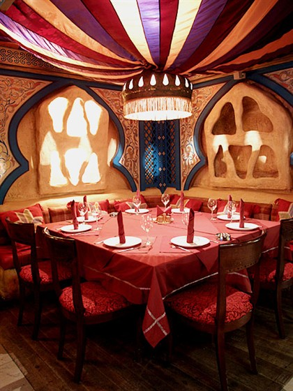 """Ресторан Аладдин - фотография 2 - Зал """"Жилище Аладдина"""""""