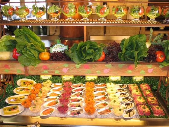 """Ресторан Грабли - фотография 8 - Салаты в """"Граблях"""" на Алексеевской"""