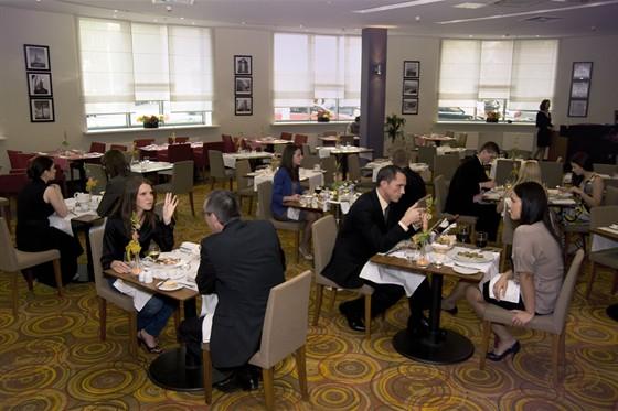 """Ресторан Red & White - фотография 1 - Ресторан """"Red&White"""""""