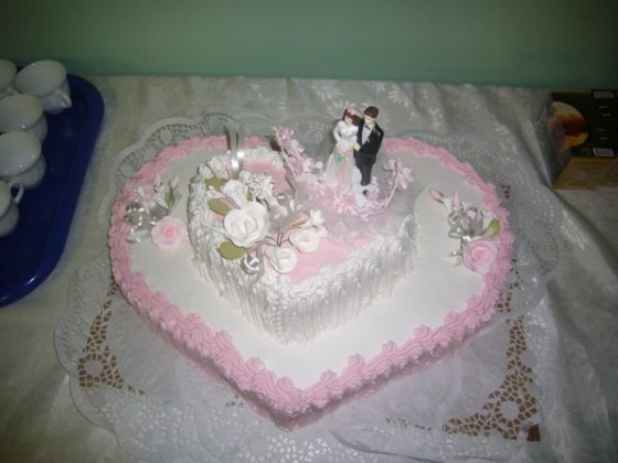 Ресторан Аст-Волга - фотография 3 - Свадебный торт от наших кондитеров.
