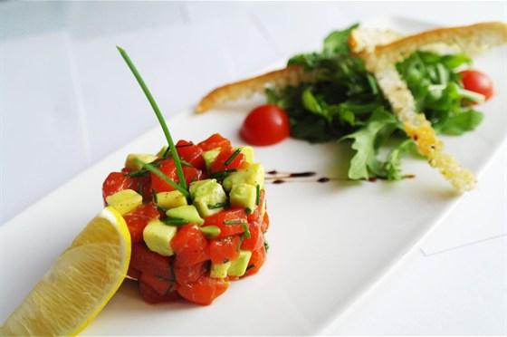 Ресторан Де Марко - фотография 32 - Тар-тар из нерки.
