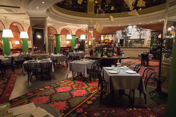 Ресторан Чайковский в Тифлисе - фотография 1