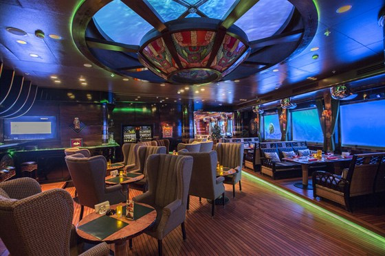 Ресторан Лодка - фотография 17 - Основной зал