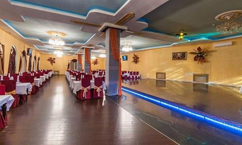 Ресторан Сказка Востока - фотография 10 - Большой банкетный зал с танцполом.
