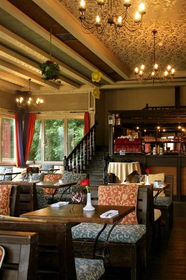 Ресторан Поместье - фотография 5 - Восточный зал