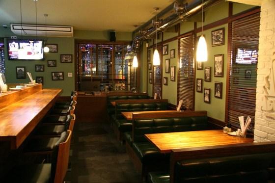 Ресторан Нью-Йорк - фотография 5 - зал для не курящих