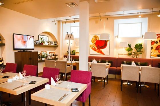 Ресторан Vkusnoe Café - фотография 8