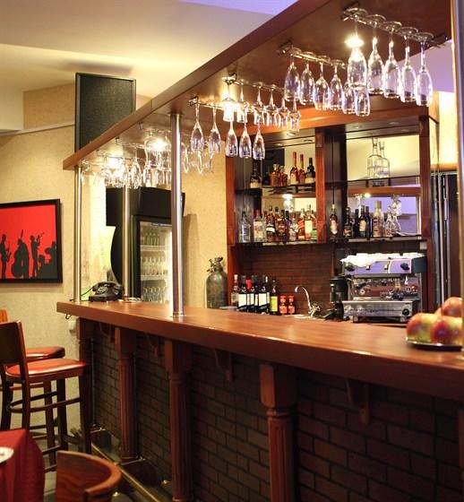 Ресторан Утесофф - фотография 1 - Бар