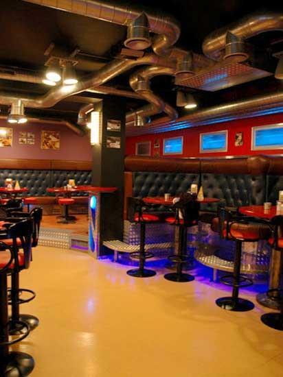 Ресторан 1000 миль - фотография 10 - малый зал