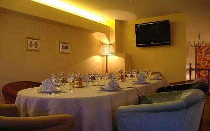 Ресторан Матрешка - фотография 2 - Бельэтаж