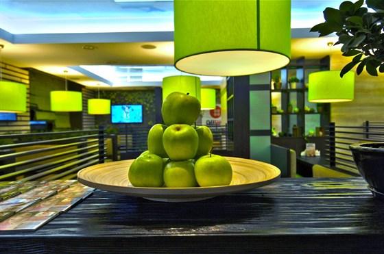 Ресторан Съел бы сам - фотография 7 - Уютный эко-ресторан Съел Бы Сам предлагает Вам увлекательное кулинарное путешествие по японской кухне. Вкусные блюда, создаваемые лучшими поварами, и уникальная атмосфера поможет Вам окунуться в настоящую Японию.