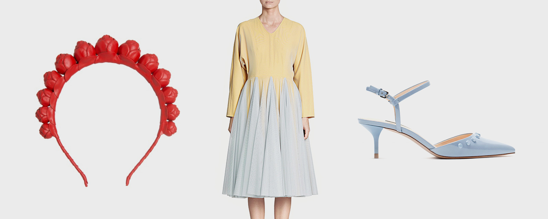 Ободок Queen Frog, 5000 р., платье Cyrille Gassiline, 60 000 р., босоножки Zara, 2999 р.
