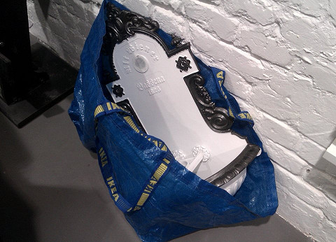 Похищенную раковину принесли в сумке IKEA