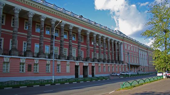 Екатерининский дворец (Старый Головинский дворец, ныне Академия бронетанковых войск)