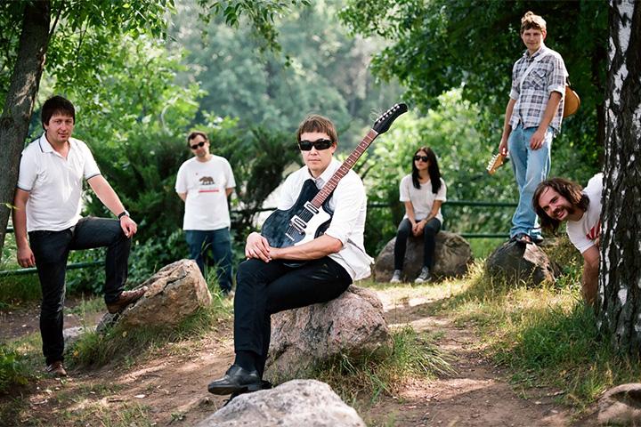 The Cavestompers не только играют музыку – они еще ее коллекционируют на виниле и продают в магазине Dig