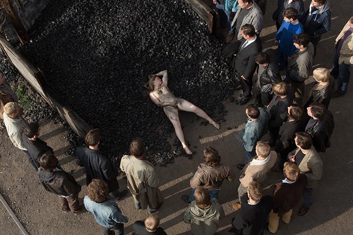Кадр из фильма «Нимфоманка»