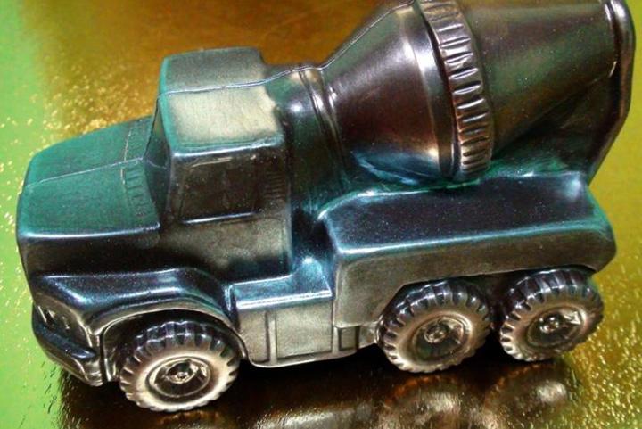 Шоколадная грузовая машина бетономешалка, 1800 р.